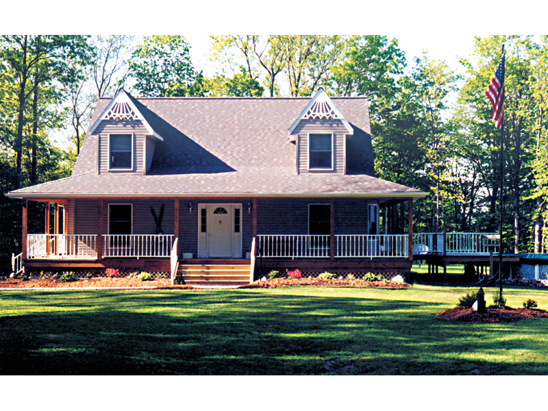Home With Country Farmhouse Appeal