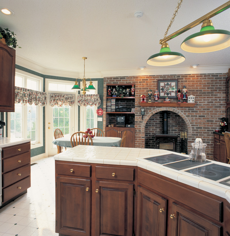 Traditional House Plan Kitchen Photo 01 038D-0062