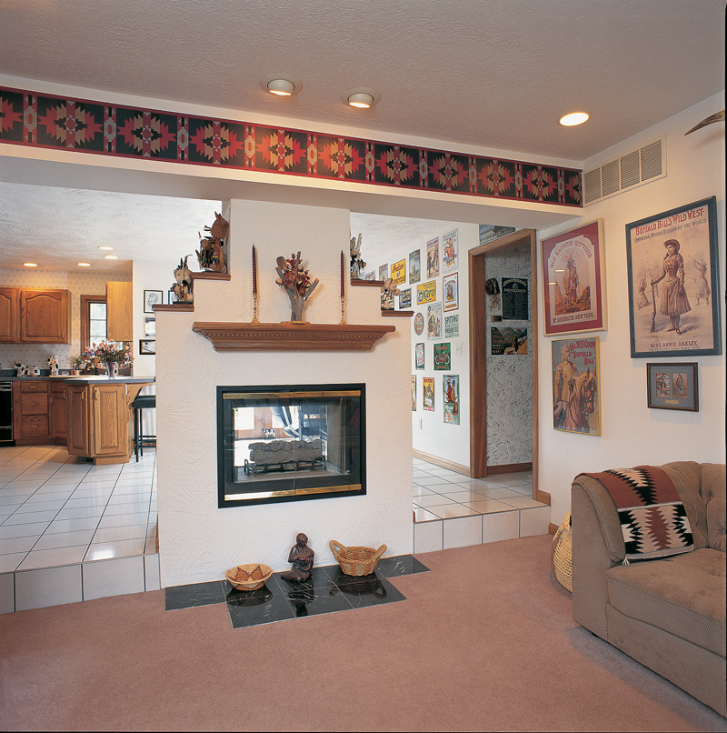 Traditional House Plan Fireplace Photo 01 038D-0066