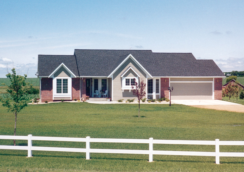 Ranch House Plan Front of Home 038D-0084