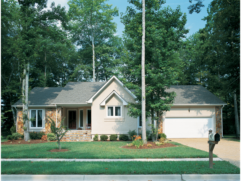 Traditional House Plan Front Photo 02 038D-0084