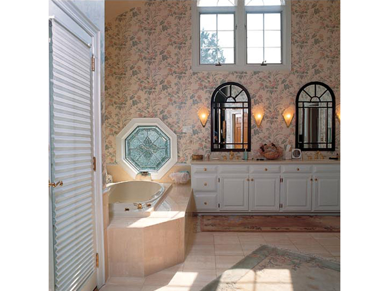 Luxury House Plan Bathroom Photo 01 038D-0175