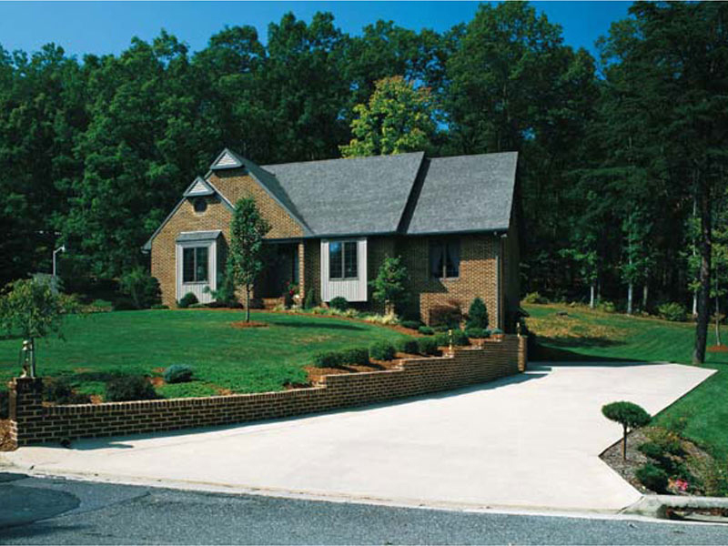 English Cottage Has Lovely Curb Appeal
