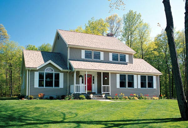Cheerful Traditional Country Home Plan