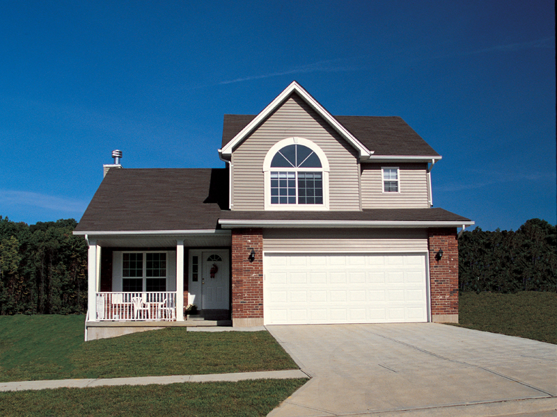 Traditional House Plan Front of Home 041D-0006