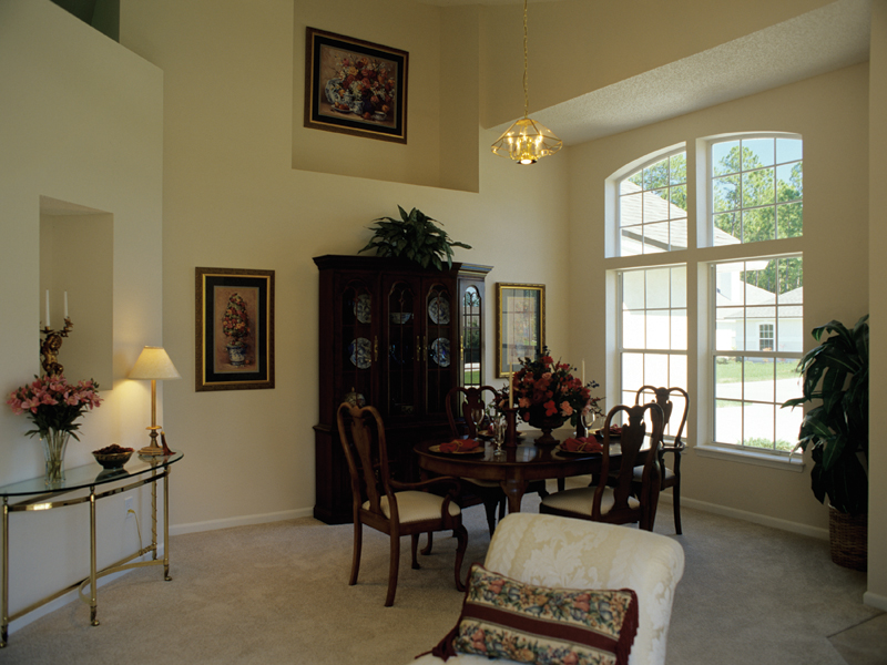 Ranch House Plan Dining Room Photo 01 047D-0022