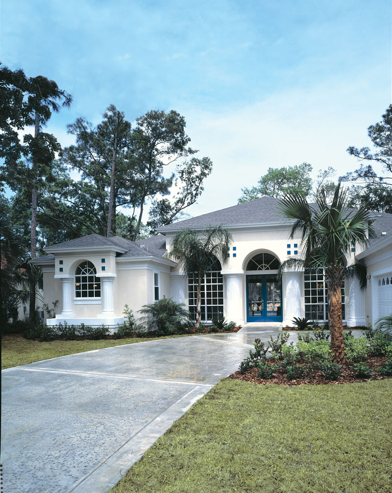 Spanish House Plan Front Photo 01 047D-0048