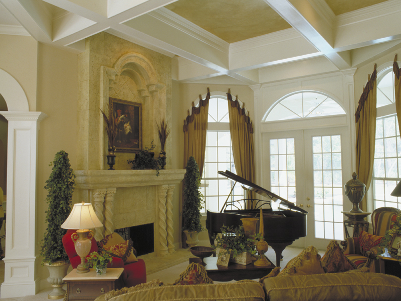 Traditional House Plan Living Room Photo 02 047D-0056