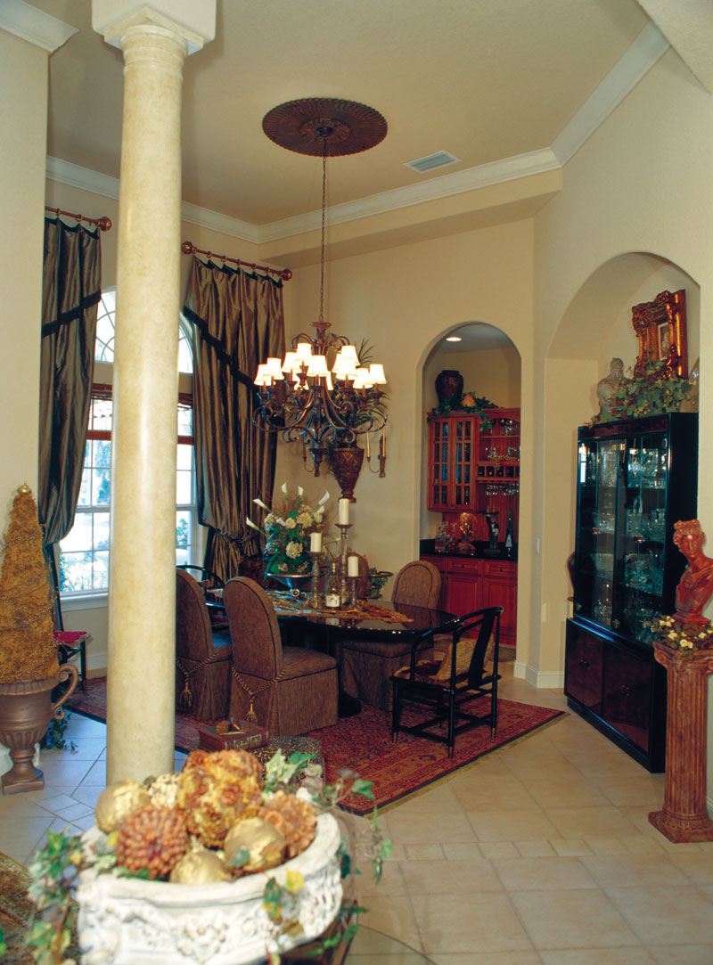 Mediterranean House Plan Dining Room Photo 01 047D-0064