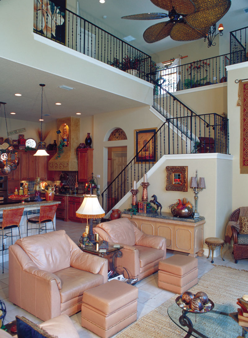 Sunbelt Home Plan Family Room Photo 01 047D-0064