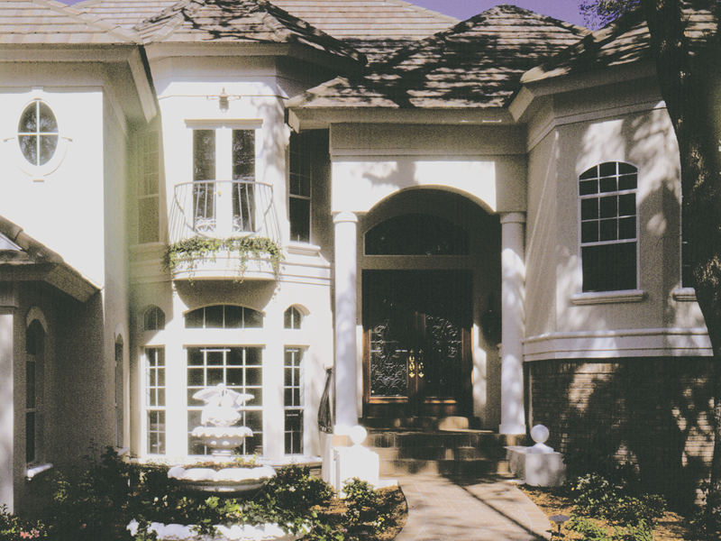 Luxurious Stucco Home Is Ideal For Floridian Or Sunbelt Location