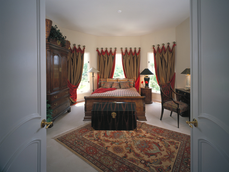 Sunbelt Home Plan Master Bedroom Photo 01 047D-0187