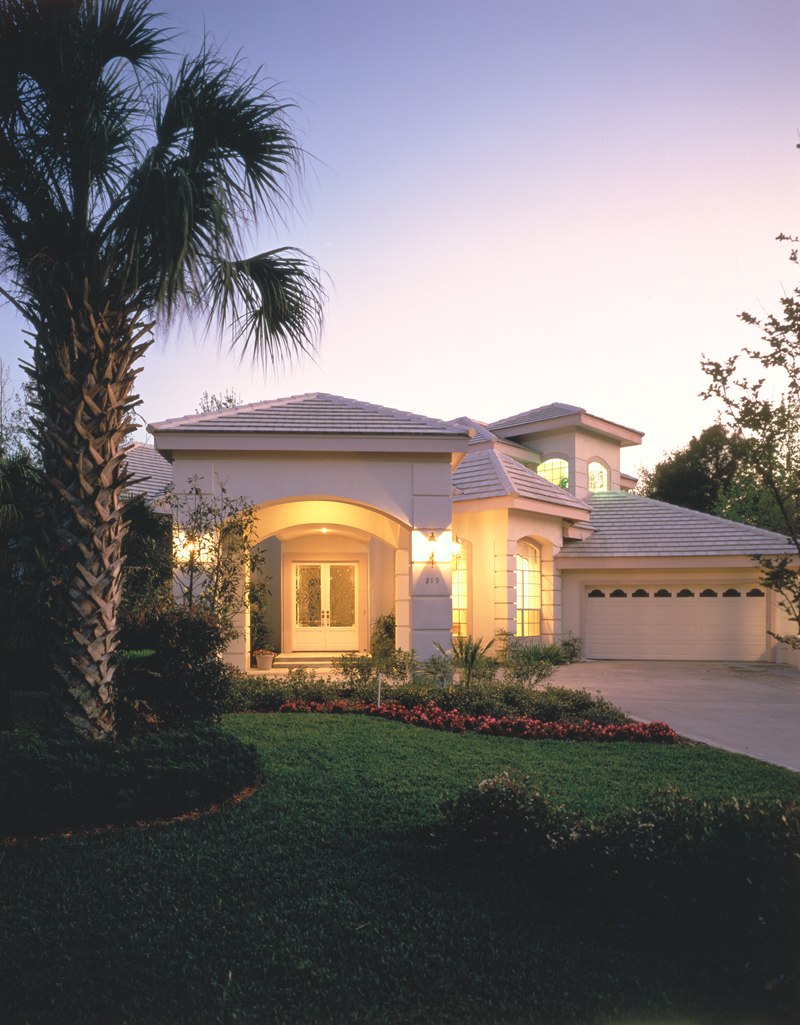 Florida House Plan Front Photo 01 047D-0204