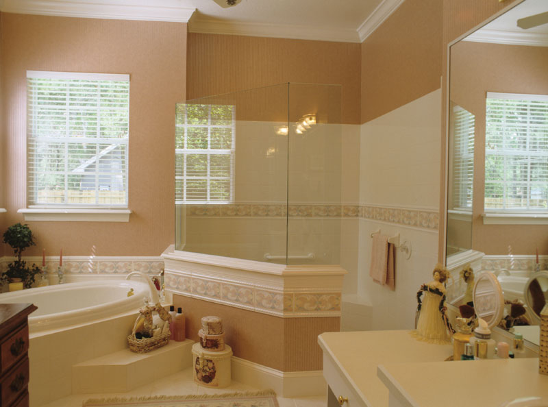 Colonial House Plan Master Bathroom Photo 01 - 047D-0205 | House Plans and More