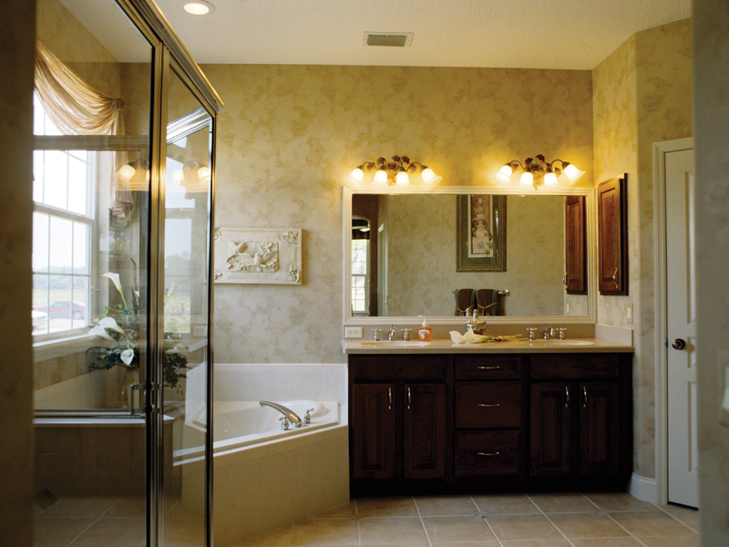 Country French Home Plan Master Bathroom Photo 01 047D-0208