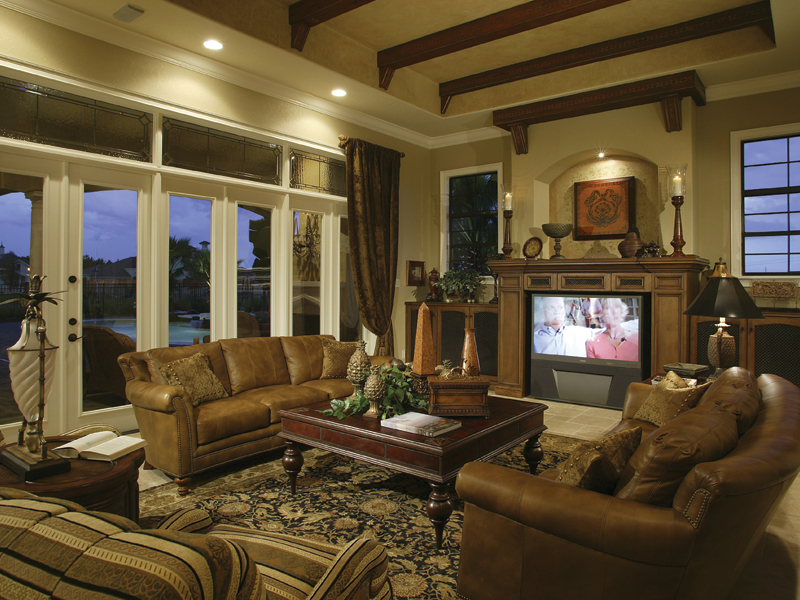 Contemporary House Plan Family Room Photo 01 047D-0212