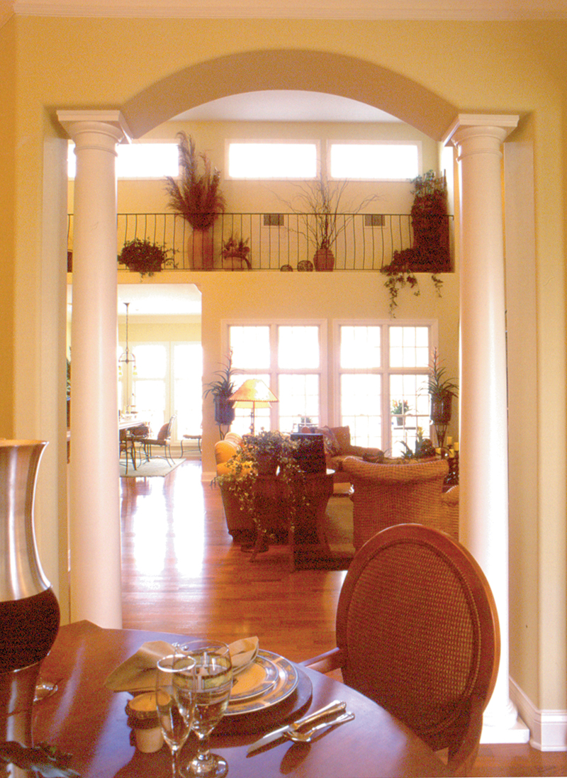 Traditional House Plan Dining Room Photo 02 047D-0213