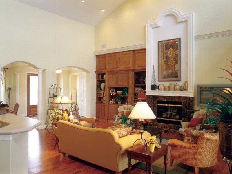 Traditional House Plan Living Room Photo 01 047D-0213