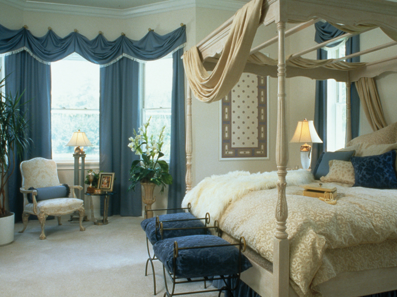 Traditional House Plan Master Bedroom Photo 01 047D-0214