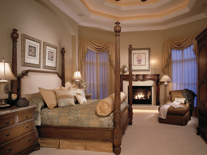 Traditional House Plan Master Bedroom Photo 01 047D-0215