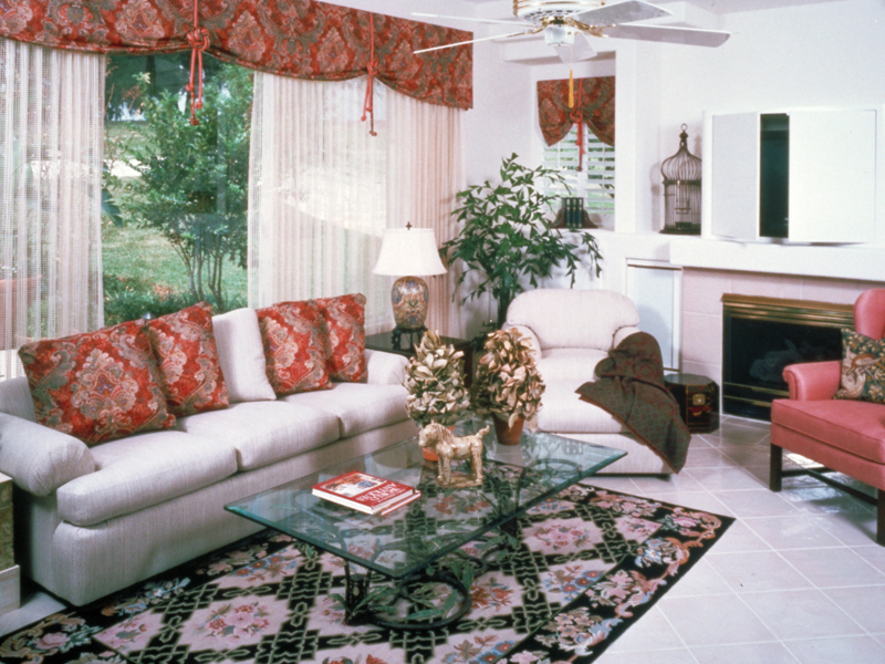 Sunbelt Home Plan Family Room Photo 01 048D-0004