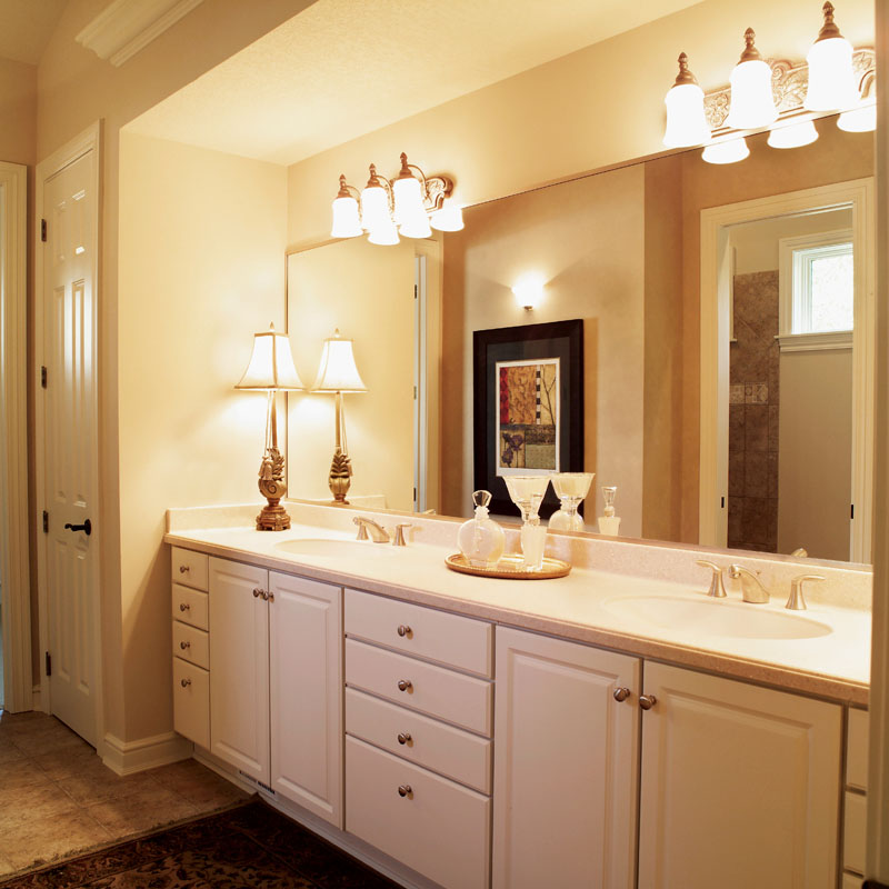 Southern House Plan Master Bathroom Photo 01 051D-0188