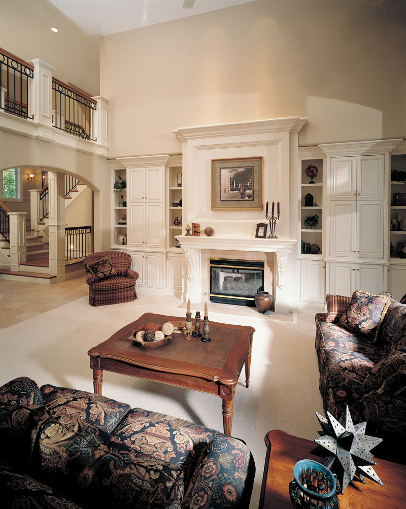 European House Plan Great Room Photo 01 051D-0190