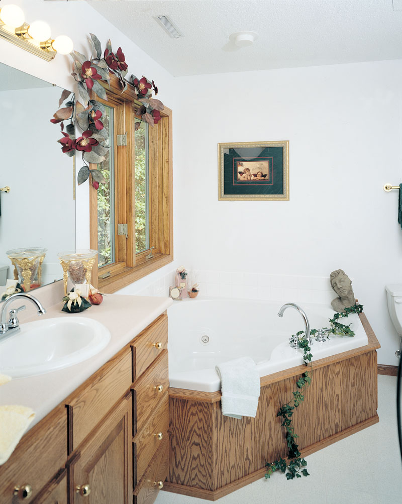 Southern House Plan Master Bathroom Photo 01 051D-0238
