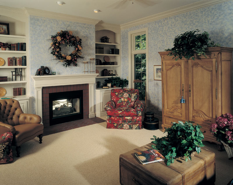 Traditional House Plan Living Room Photo 01 051D-0246
