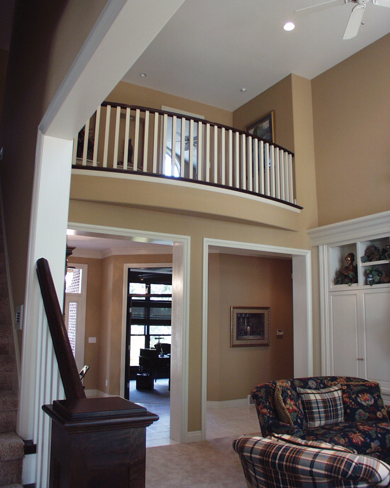 European House Plan Balcony Photo 051D-0258