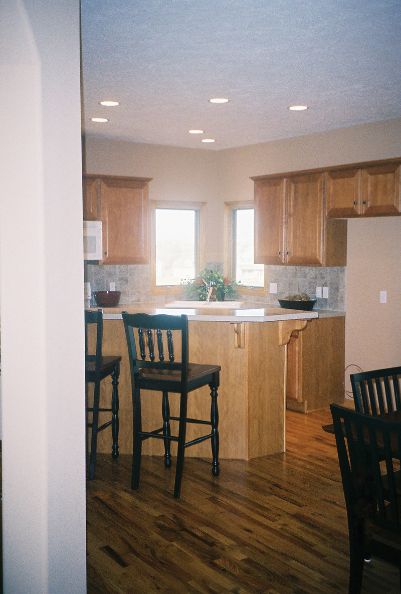 Shingle House Plan Kitchen Photo 01 051D-0439
