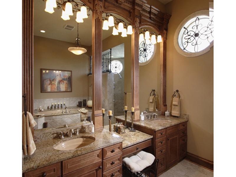 Spanish House Plan Master Bathroom Photo 01 051D-0544