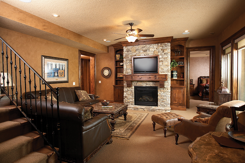 Rustic Home Plan Family Room Photo 01 051D-0669