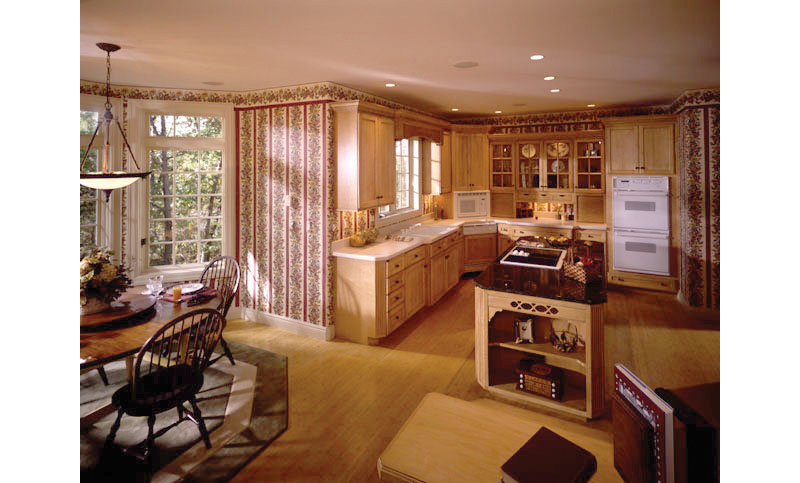 European House Plan Kitchen Photo 01 051S-0018