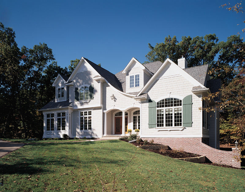 Lake House Plan Front Photo 01 051S-0023