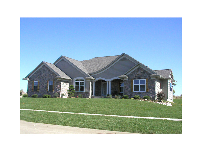 Elegant Ranch Home Easily Fits in Any Area