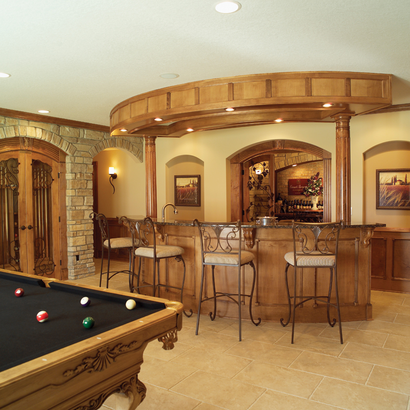Traditional House Plan Bar Photo 051S-0053