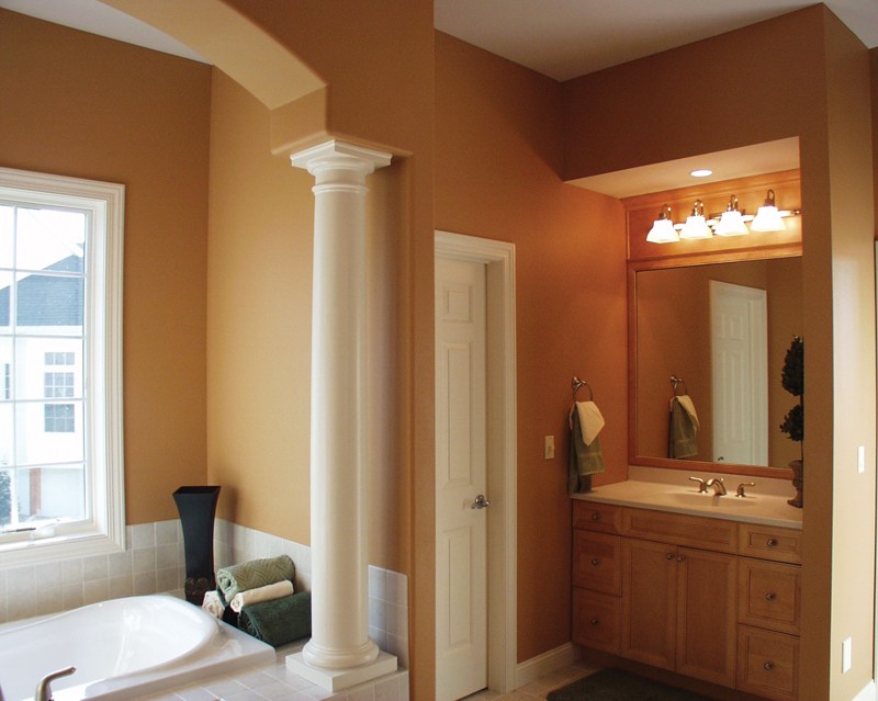 Luxury House Plan Master Bathroom Photo 01 051S-0093