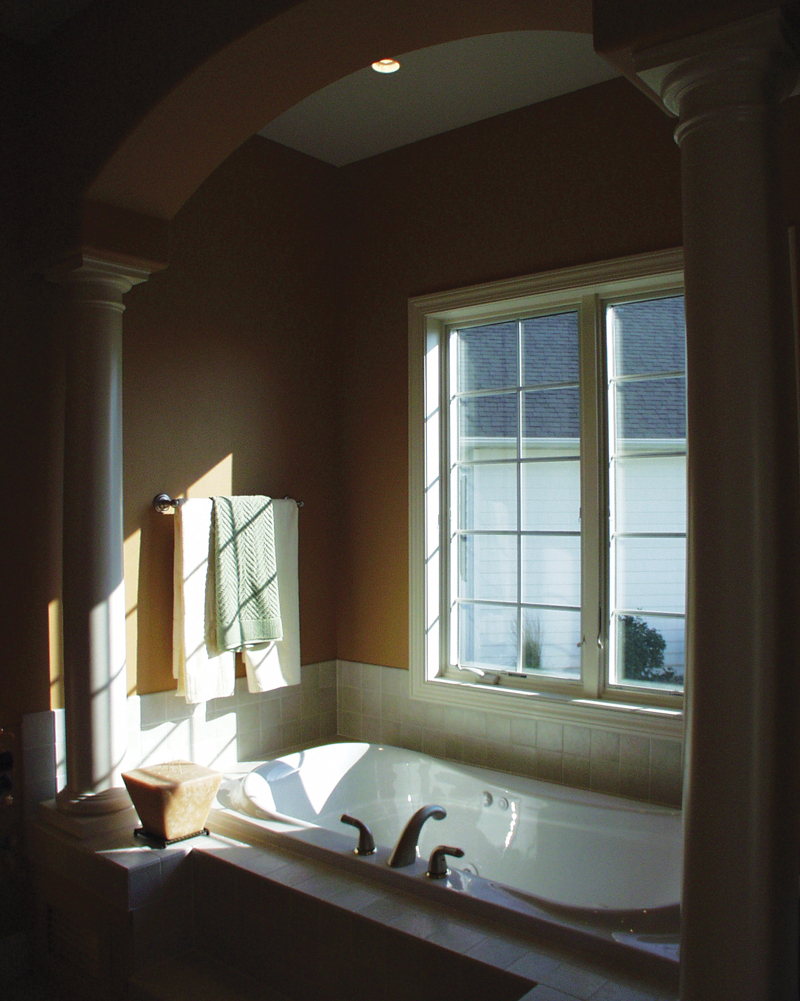 Southern House Plan Master Bathroom Photo 02 051S-0093