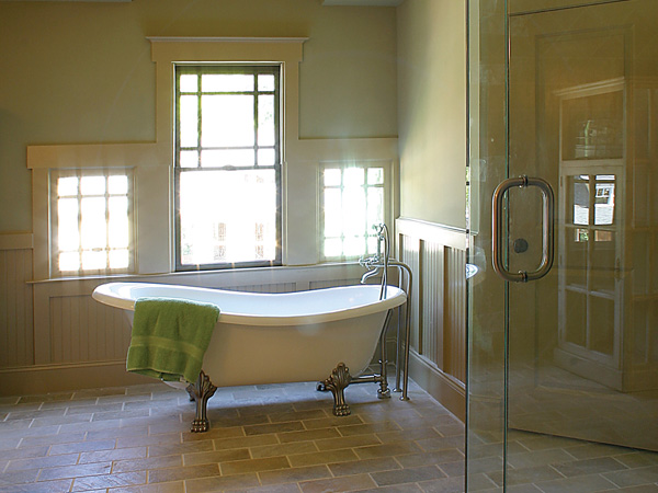 Luxury House Plan Master Bathroom Photo 01 052D-0121