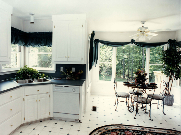 Plantation House Plan Kitchen Photo 01 052D-0153