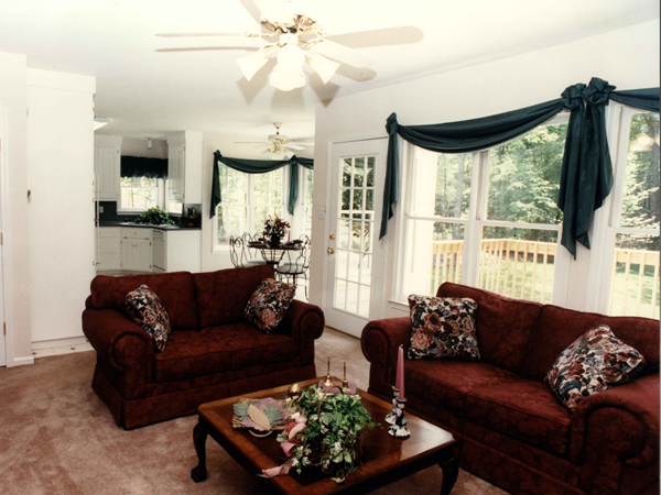 Southern House Plan Living Room Photo 01 052D-0153