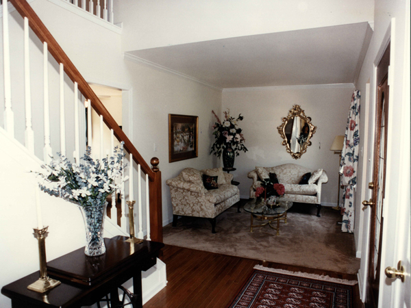 Early American House Plan Stairs Photo 052D-0153