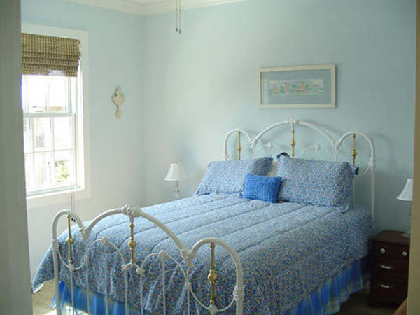 Waterfront Home Plan Bedroom Photo 01 052D-0154