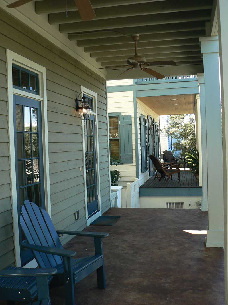 Vacation Home Plan Front Porch Photo 052D-0154