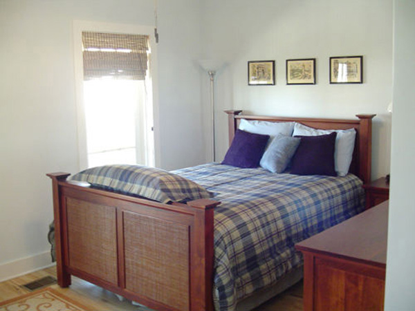Vacation Home Plan Master Bedroom Photo 01 052D-0154