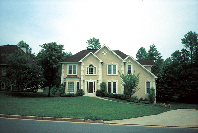Traditional House Plan Front Photo 05 053D-0019