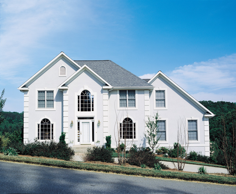 Traditional House Plan Front Photo 06 053D-0019
