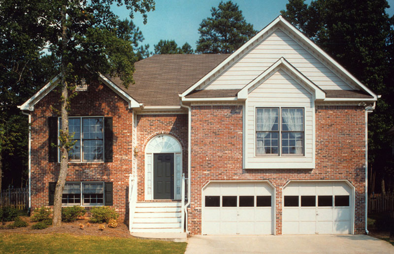 Traditional House Plan Front of Home 053D-0040