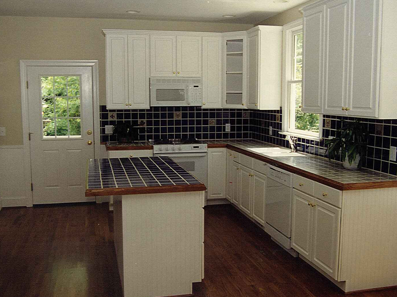 Farmhouse Plan Kitchen Photo 01 053D-0056